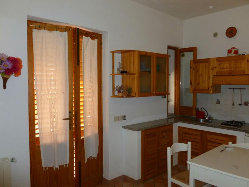 5 Kuchnia i drzwi wejsciowe