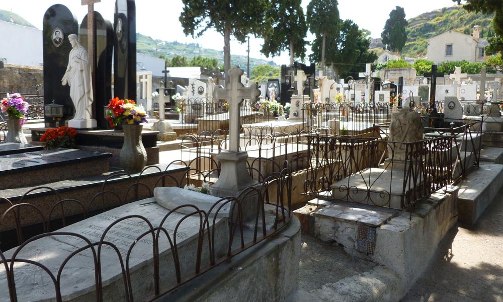 19 Cmentarz w Lipari