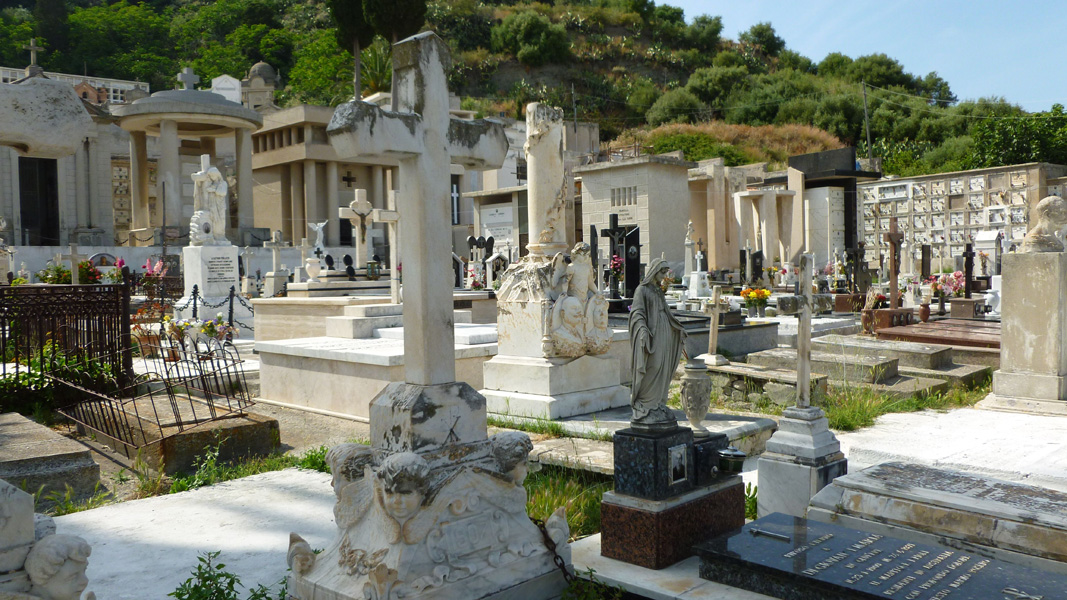 21 Na cmentarzu