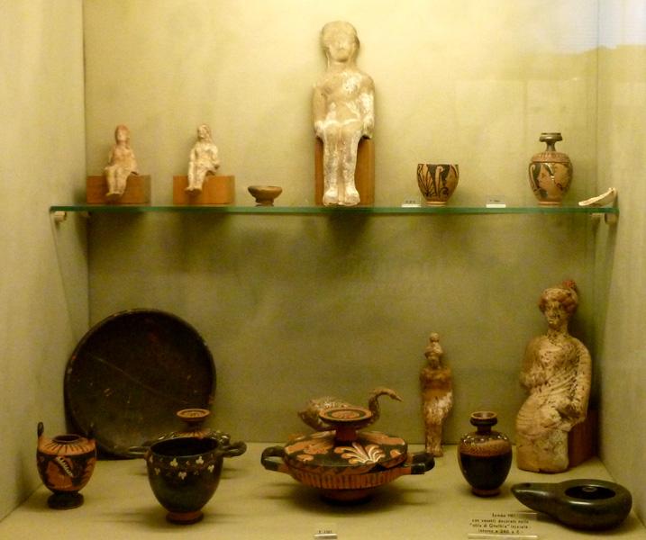 19 Figurki z grobowcow