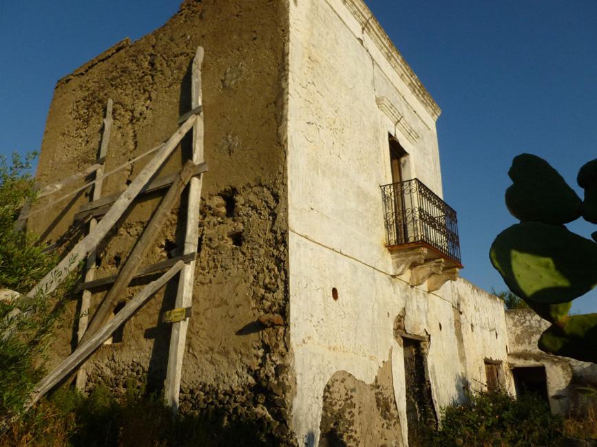 16 Stary dom, moze go ktos odnowi