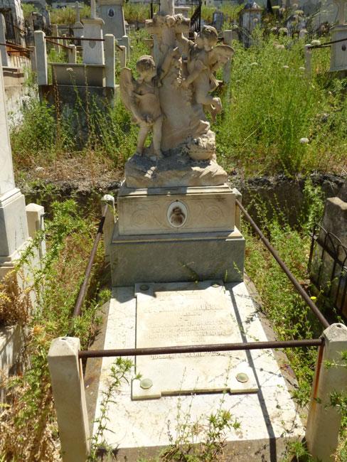 04 Stary grob