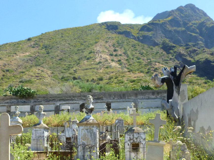 06 Cmentarz z widokiem na Iddu