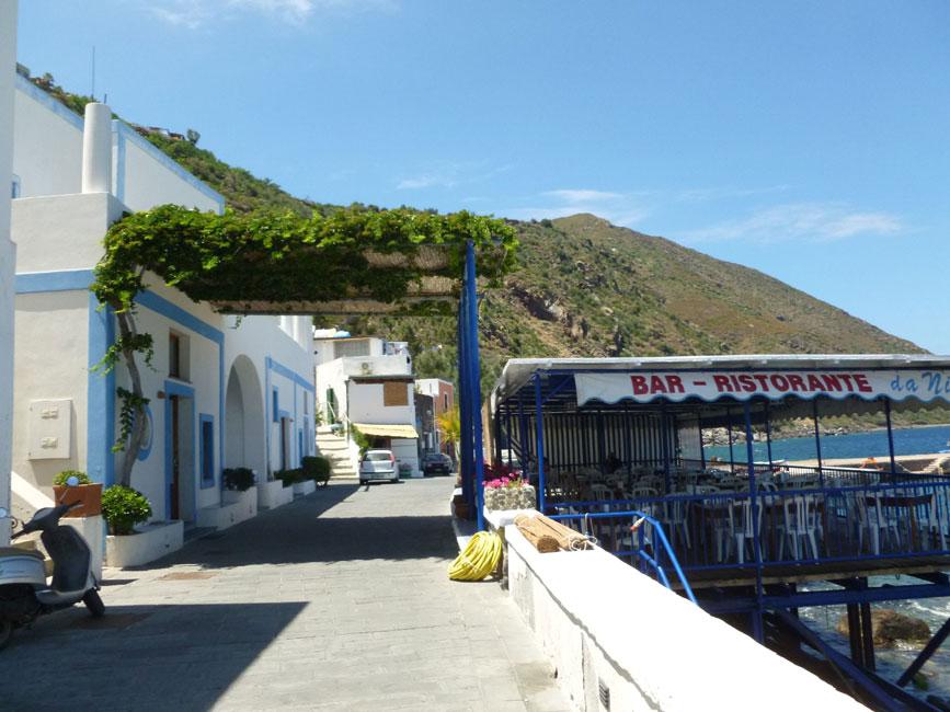 02 Restauracja na brzegu morza