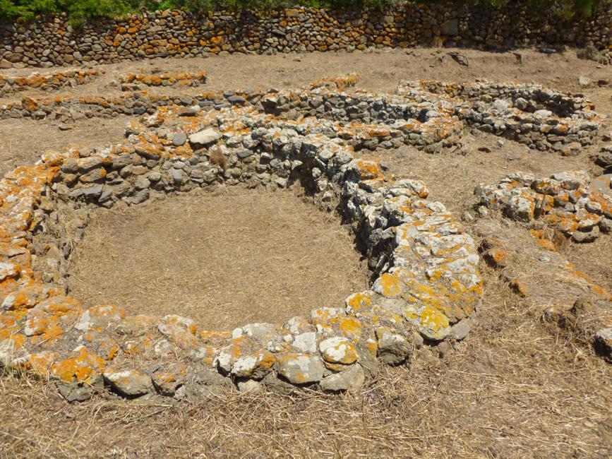 14 Okragla chata z okresu brazu