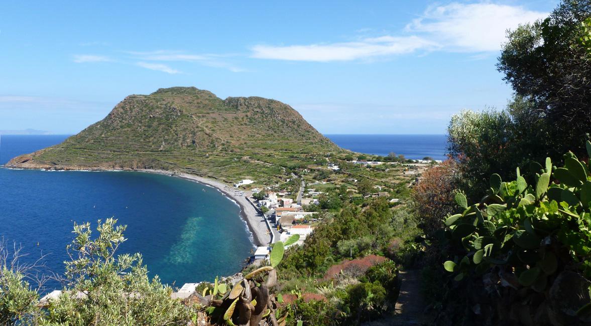 06 Capo Graziano i port pode mna
