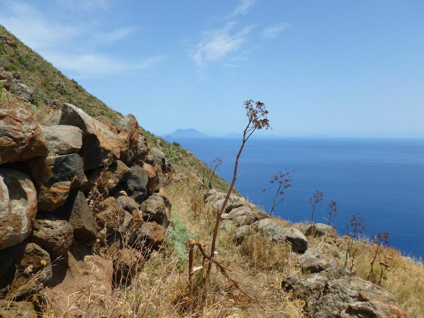 17 Z tylu Filicudi i inne wyspy