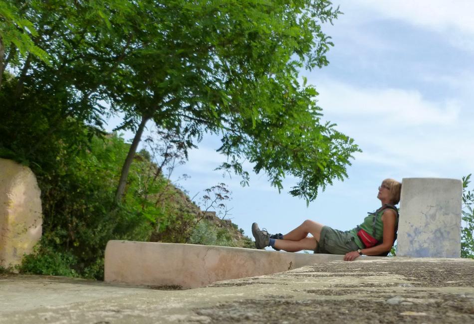 05 Odpoczynek na murku