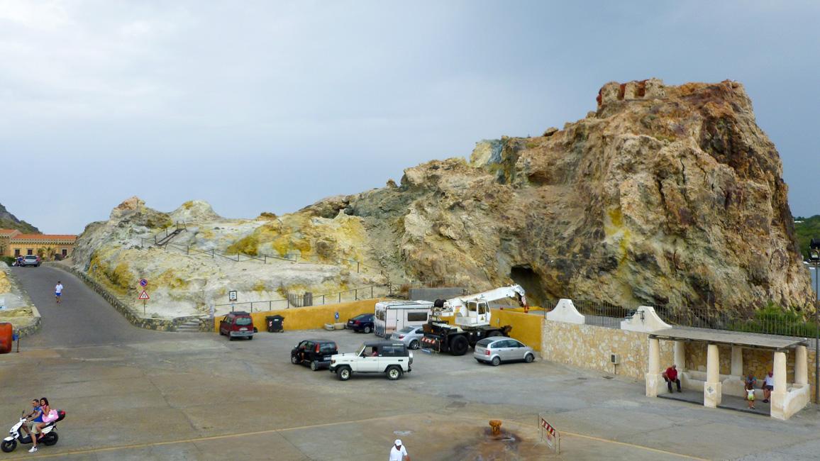 15 Kolorowa skała w porcie