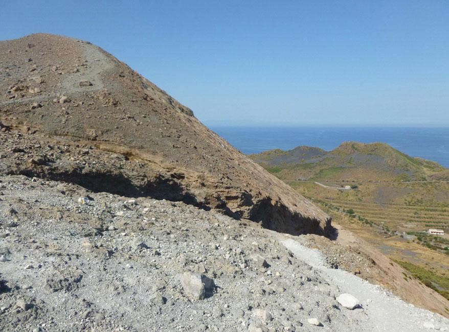 21 Tuz pod kraterem, spojrzenie za siebie