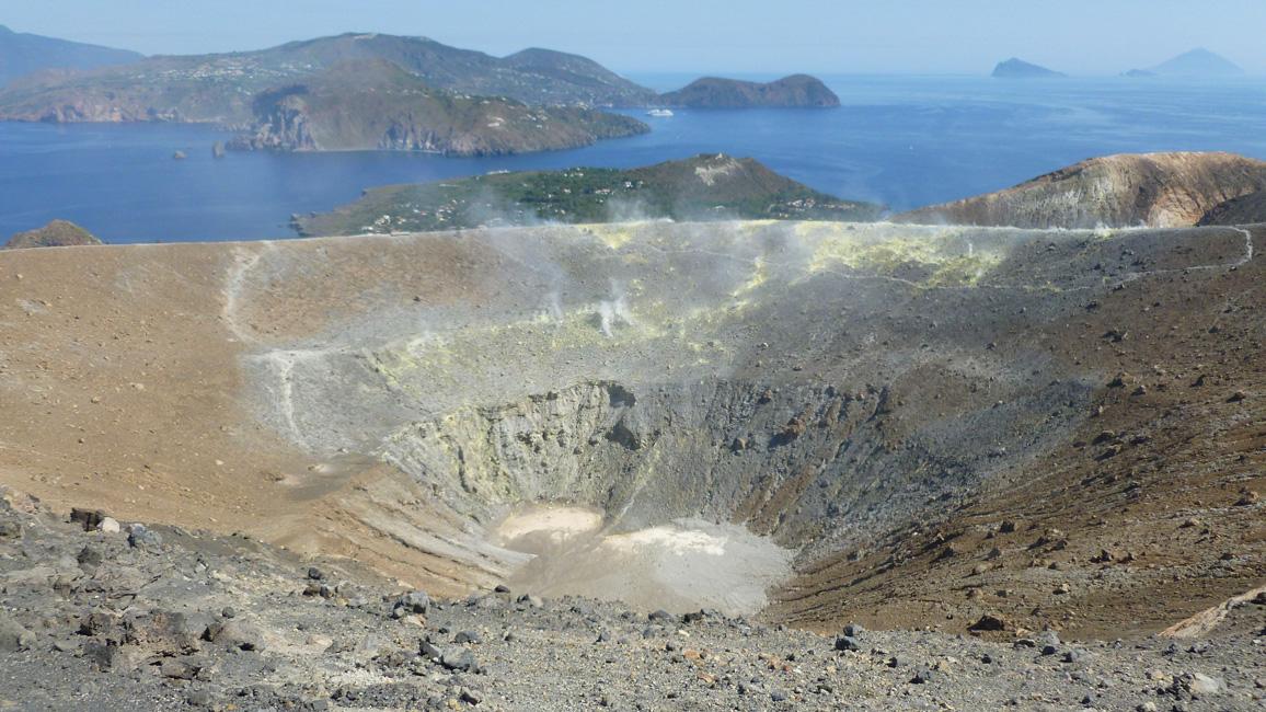 13 Krater jak na dloni