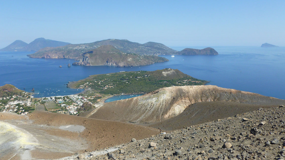 24 Widok z najwyzszego punktu wulkanu
