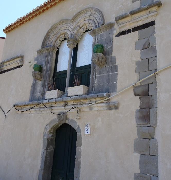 Okno z XIV w